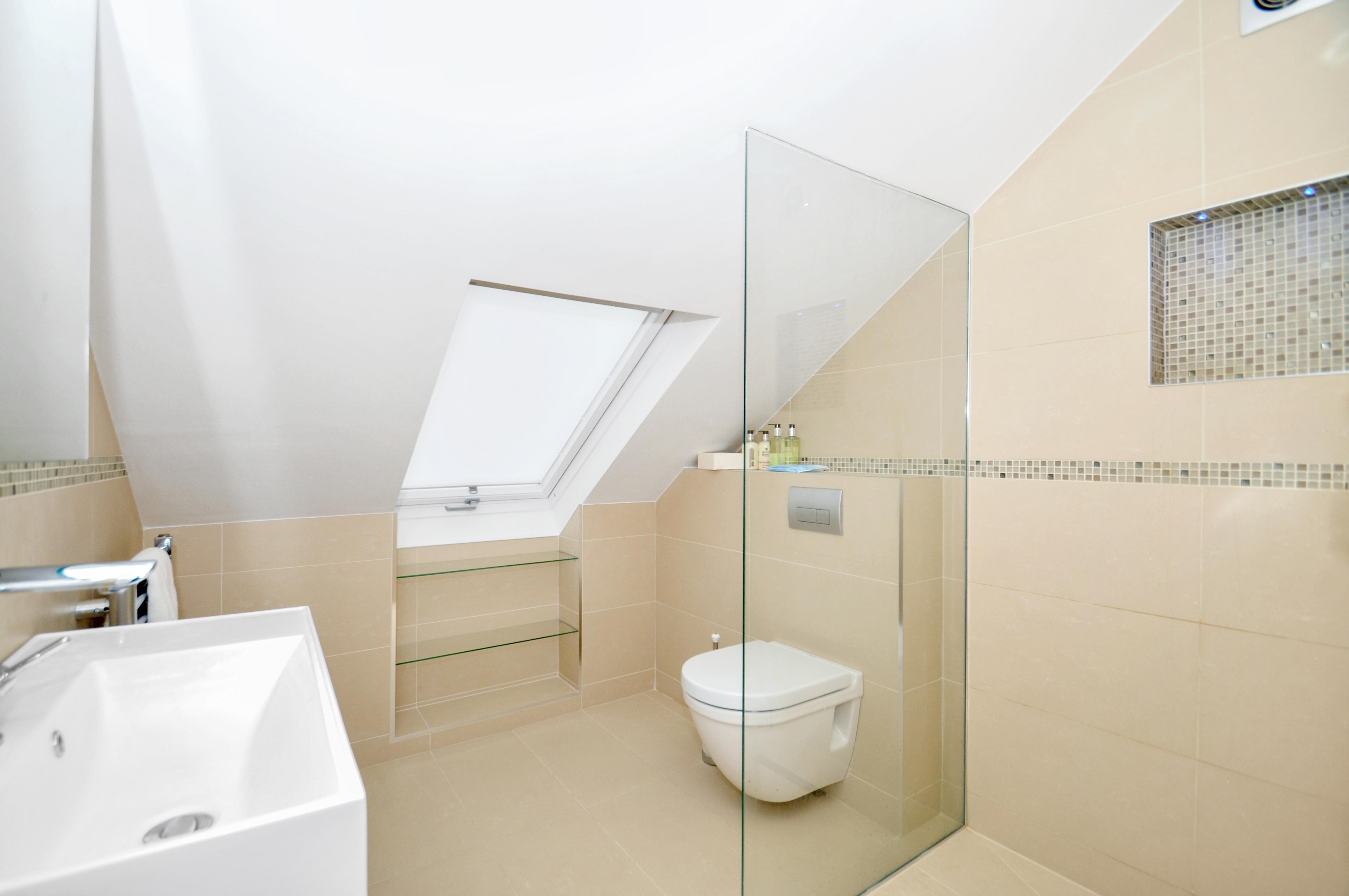 House Renovation - En-suite Wetroom - Chiswick
